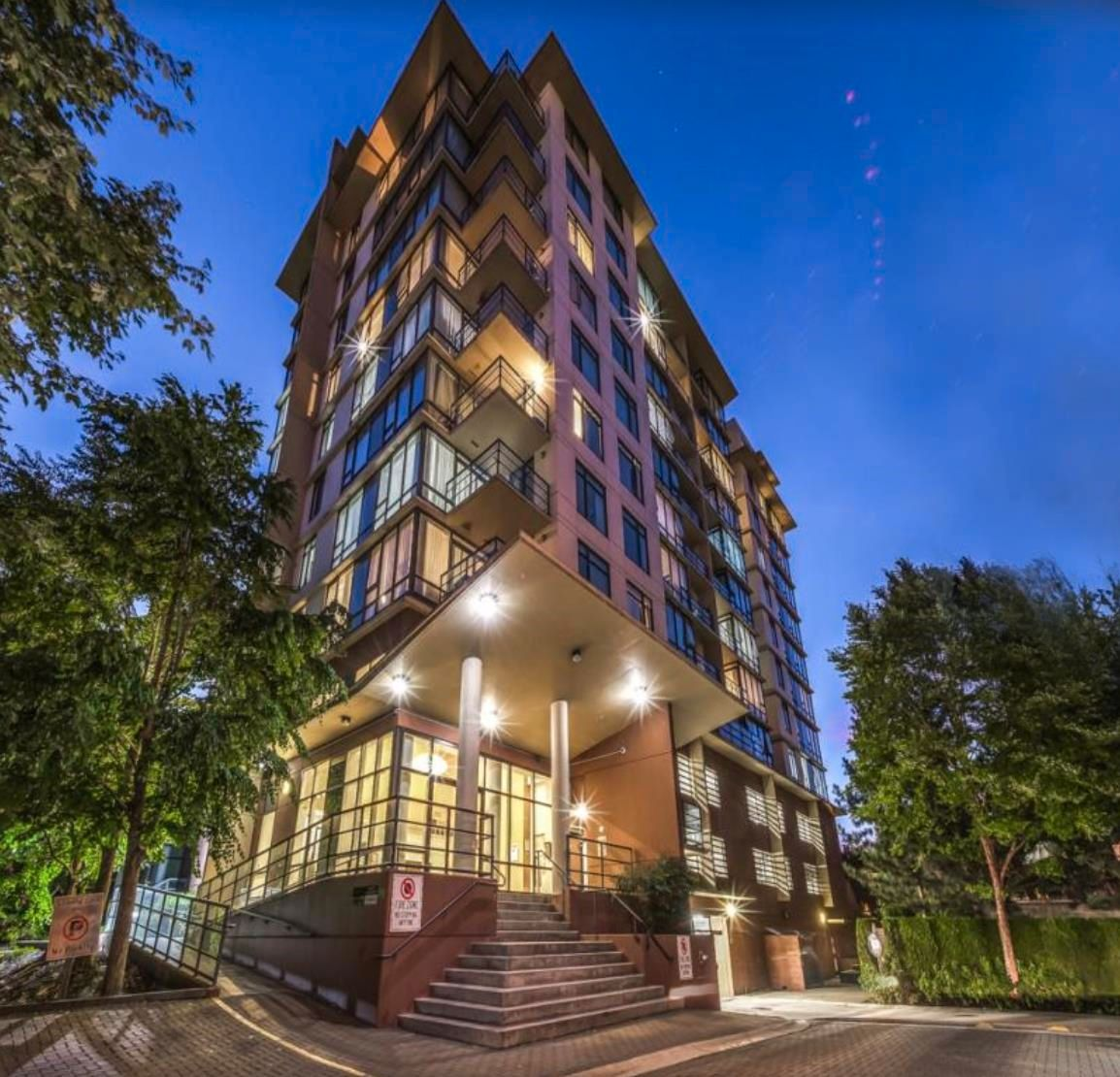 """Main Photo: 801 9171 FERNDALE Road in Richmond: McLennan North Condo for sale in """"FULLERTON"""" : MLS®# R2609305"""
