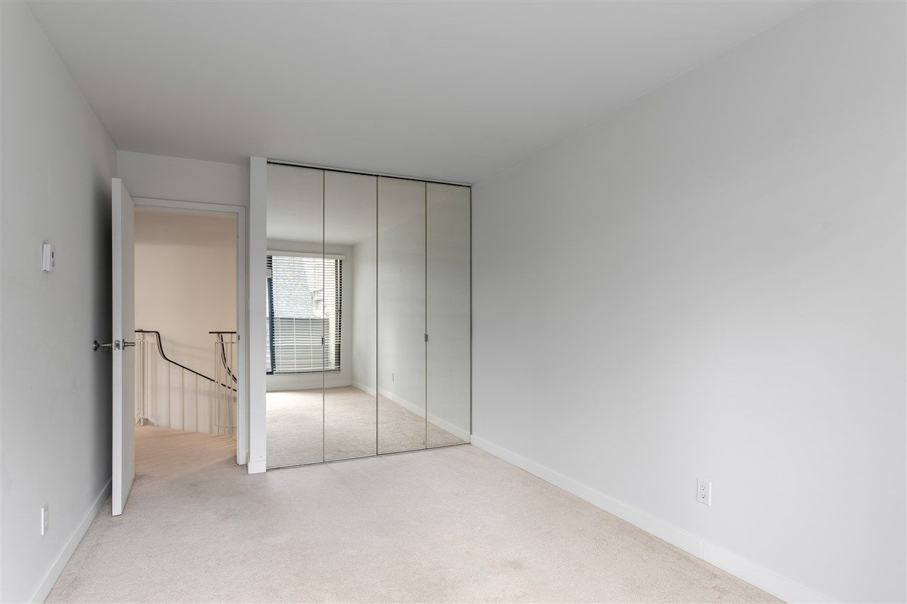 Photo 8: Photos: 207 225 SIXTH STREET in New Westminster: Queens Park Condo for sale : MLS®# R2440981