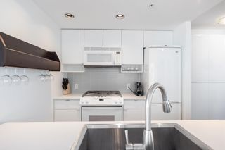 Photo 11: 1808 939 EXPO BOULEVARD in Vancouver: Yaletown Condo for sale (Vancouver West)  : MLS®# R2603563