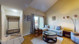 Photo 5: 5339 HILL VIEW Crescent in Edmonton: Zone 29 Townhouse for sale : MLS®# E4262220