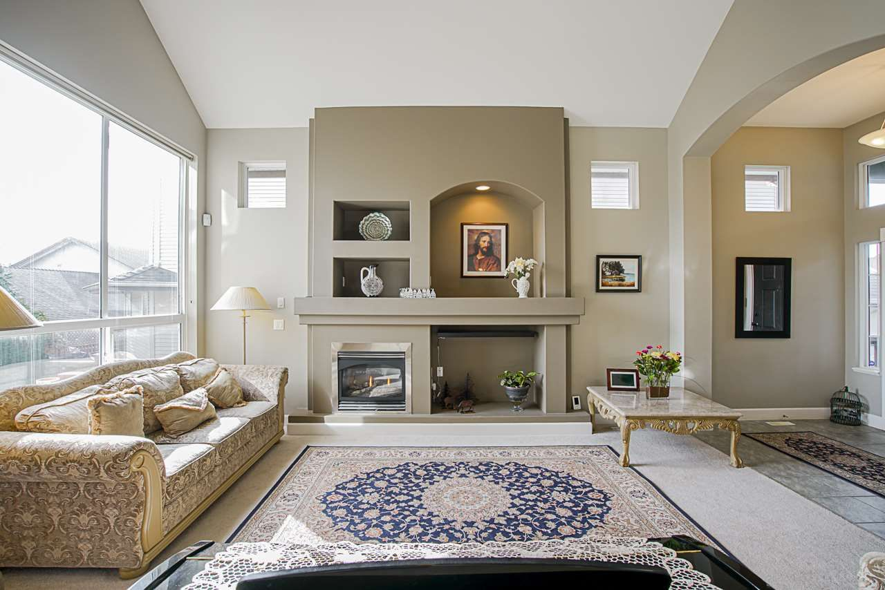 Photo 3: Photos: 6946 198A Street in Langley: Willoughby Heights House for sale : MLS®# R2553278