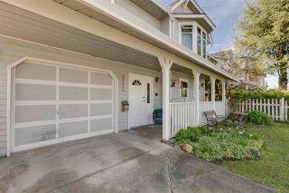 Photo 2: 22656 KENDRICK LOOP: House for sale : MLS®# R2051774