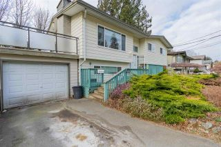 Photo 3: 2177 GUILFORD Drive in Abbotsford: Abbotsford East House for sale : MLS®# R2537775