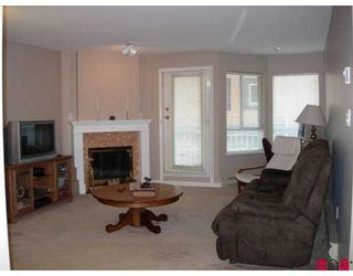 """Photo 3: 114 9299 121ST Street in Surrey: Queen Mary Park Surrey Condo for sale in """"Huntington Gate"""" : MLS®# F2719241"""