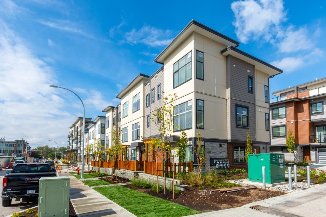 """Main Photo: 1 20849 78B Avenue in Langley: Willoughby Heights Townhouse for sale in """"BOULEVARD NORTH"""" : MLS®# R2601473"""
