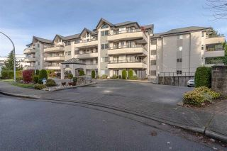 """Photo 1: 302 2526 LAKEVIEW Crescent in Abbotsford: Central Abbotsford Condo for sale in """"MILL SPRING MANOR"""" : MLS®# R2519449"""