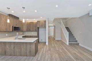 Photo 5: 937 Echo Valley Pl in : La Bear Mountain Row/Townhouse for sale (Langford)  : MLS®# 875844