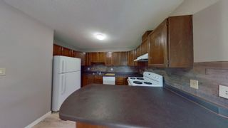 Photo 4: 10204 150 Street in Edmonton: Zone 21 House Half Duplex for sale : MLS®# E4266147