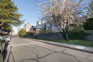 """Photo 2: 205 2428 W 1ST Avenue in Vancouver: Kitsilano Condo for sale in """"NOBLE HOUSE"""" (Vancouver West)  : MLS®# R2450860"""