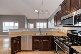 Photo 7: 204 Brookside Drive in Warman: Residential for sale : MLS®# SK851525