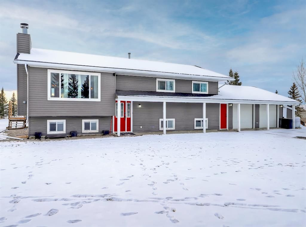 Main Photo: 263087 Range Road 293 in Rural Rocky View County: Rural Rocky View MD Detached for sale : MLS®# A1055802