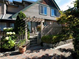 "Photo 2: 16 222 E 5TH Street in North Vancouver: Lower Lonsdale Townhouse for sale in ""Burham Court"" : MLS®# V971412"