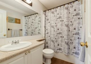 Photo 12: 136 MT ABERDEEN Manor SE in Calgary: McKenzie Lake Row/Townhouse for sale : MLS®# A1109069