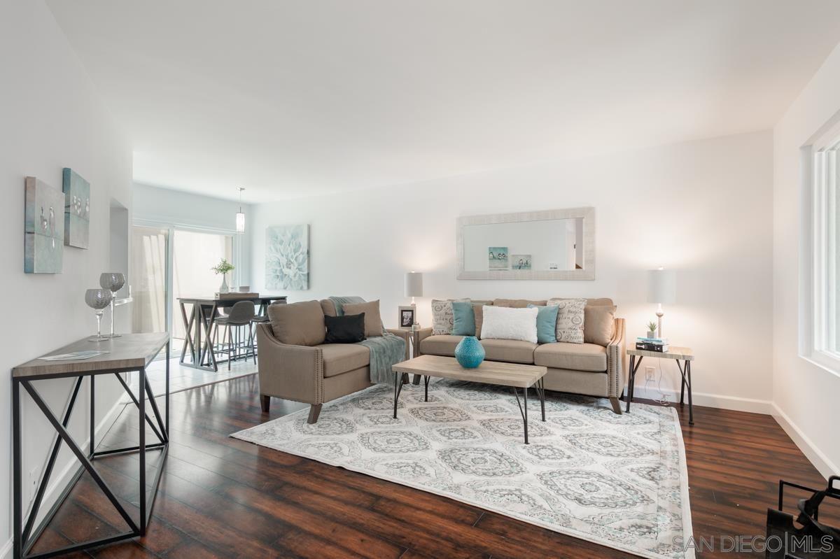 Main Photo: LA JOLLA Condo for sale : 2 bedrooms : 8440 Via Sonoma #76