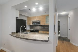 """Photo 8: 401 1405 W 12TH Avenue in Vancouver: Fairview VW Condo for sale in """"The Warrenton"""" (Vancouver West)  : MLS®# R2236549"""