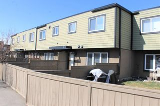 Photo 1: 73 3809 45 Street SW in Calgary: Glenbrook Row/Townhouse for sale : MLS®# A1152944