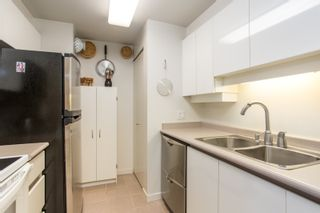 """Photo 7: 2205 930 CAMBIE Street in Vancouver: Yaletown Condo for sale in """"Pacific Place Landmark II"""" (Vancouver West)  : MLS®# R2394764"""