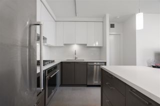 """Photo 3: 3705 3080 LINCOLN Avenue in Coquitlam: North Coquitlam Condo for sale in """"1123 WESTWOOD"""" : MLS®# R2534411"""