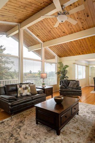 Photo 13: 2015 Pelly Pl in : OB Henderson House for sale (Oak Bay)  : MLS®# 856829