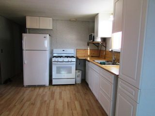 Photo 4: 3941 247 Road in Kiskatinaw: BCNREB Out of Area Manufactured Home for sale (Fort St. John (Zone 60))  : MLS®# R2327027