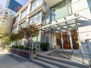 """Photo 2: 2003 821 CAMBIE Street in Vancouver: Downtown VW Condo for sale in """"Raffles on Robson"""" (Vancouver West)  : MLS®# R2512191"""