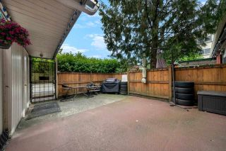 """Photo 2: 2651 WESTVIEW Drive in North Vancouver: Upper Lonsdale Townhouse for sale in """"CYPRESS GARDENS"""" : MLS®# R2587577"""