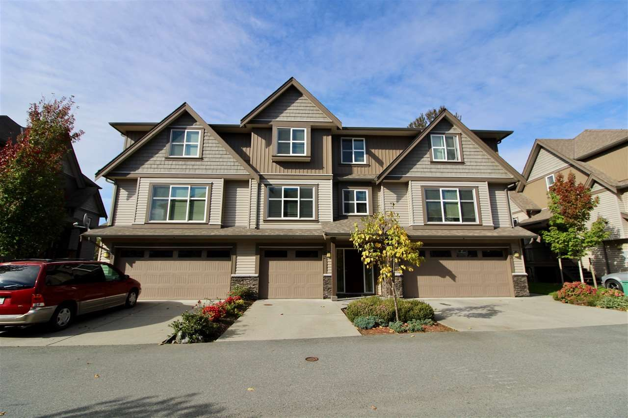 "Main Photo: 22 45085 WOLFE Road in Chilliwack: Chilliwack W Young-Well Townhouse for sale in ""TOWNSEND TERRACE"" : MLS®# R2409388"