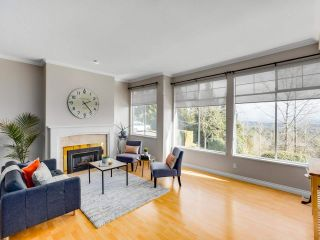 """Photo 4: 7 2979 PANORAMA Drive in Coquitlam: Westwood Plateau Townhouse for sale in """"DEERCREST"""" : MLS®# R2543094"""