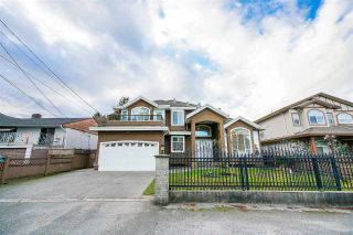 Photo 2: 7905 127 Street in Surrey: West Newton House for sale : MLS®# R2436248