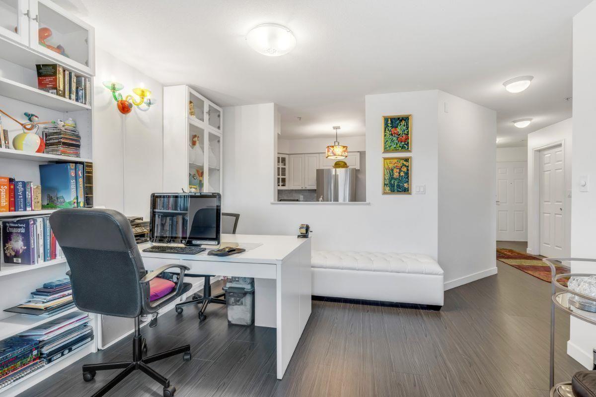 "Main Photo: 201 1085 W 17TH Street in North Vancouver: Pemberton Heights Condo for sale in ""Lloyd Regency"" : MLS®# R2611298"
