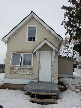 Photo 1: 1996 14th Street West in Prince Albert: West Flat Residential for sale : MLS®# SK846780
