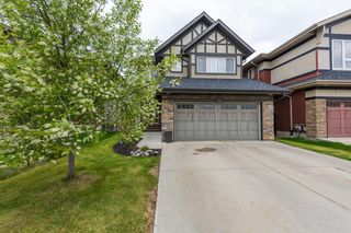 Photo 3: 1436 CHAHLEY Place in Edmonton: Zone 20 House for sale : MLS®# E4245265