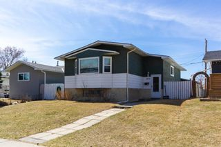Main Photo: 6031 4 Street NE in Calgary: Thorncliffe Detached for sale : MLS®# A1096431