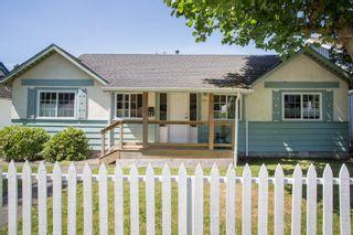 "Photo 1: 2831 GORDON Avenue in Surrey: Crescent Bch Ocean Pk. House for sale in ""Crescent Beach"" (South Surrey White Rock)  : MLS®# R2476389"