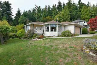 """Photo 2: 491 OCEAN VIEW Drive in Gibsons: Gibsons & Area House for sale in """"Woodcreek Park"""" (Sunshine Coast)  : MLS®# R2624435"""