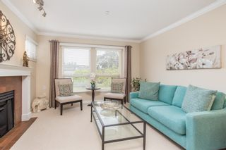 """Photo 4: 214 843 22ND Street in West Vancouver: Dundarave Condo for sale in """"TUDOR GARDENS"""" : MLS®# R2528064"""
