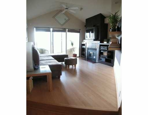 """Photo 2: Photos: 404 155 E 3RD ST in North Vancouver: Lower Lonsdale Condo for sale in """"THE SOLANO"""" : MLS®# V610957"""