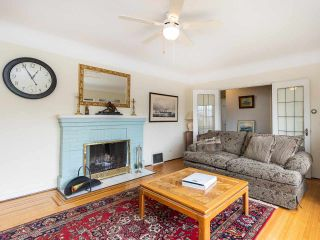 """Photo 8: 4530 BELMONT Avenue in Vancouver: Point Grey House for sale in """"Point Grey"""" (Vancouver West)  : MLS®# R2440130"""