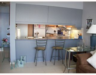 """Photo 5: 1202 1250 QUAYSIDE Drive in New_Westminster: Quay Condo for sale in """"PROMENADE"""" (New Westminster)  : MLS®# V710757"""