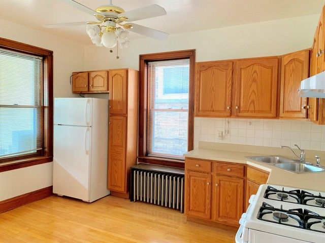 Photo 10: Photos: 2147 Superior Street in Chicago: CHI - West Town Rentals for rent ()  : MLS®# 10545457