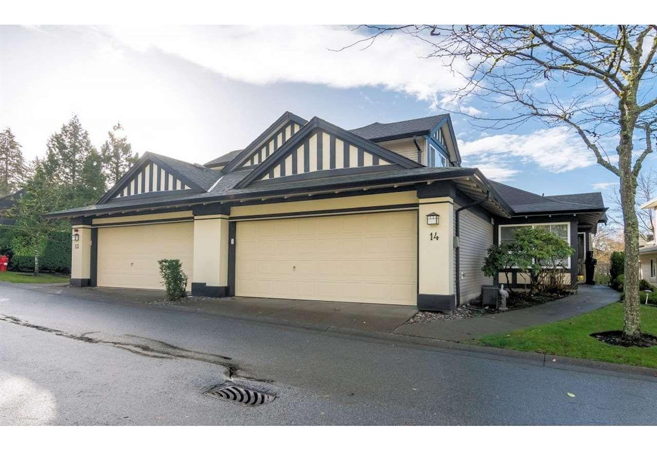 "Main Photo: 14 17917 68 Avenue in Surrey: Cloverdale BC Townhouse for sale in ""Weybridge Lane"" (Cloverdale)  : MLS®# R2420779"