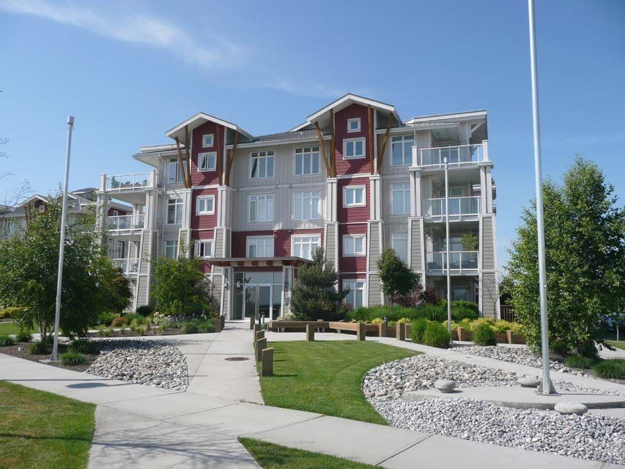 """Main Photo: 111 4233 BAYVIEW Street in Richmond: Steveston South Condo for sale in """"THE VILLAGE AT IMPERIAL LANDING"""" : MLS®# R2038806"""