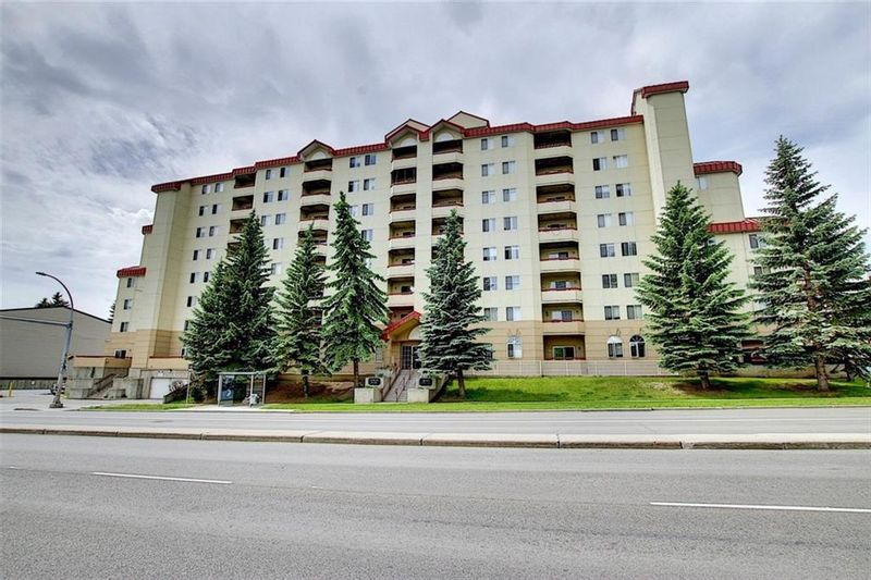 FEATURED LISTING: 204 - 2011 UNIVERSITY Drive Northwest Calgary