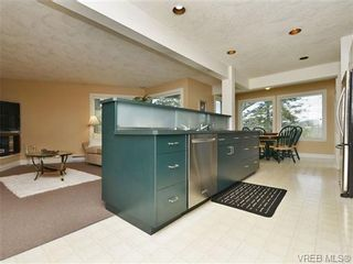 Photo 6: 4338 Emily Carr Dr in VICTORIA: SE Broadmead House for sale (Saanich East)  : MLS®# 692394