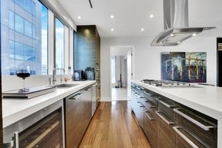 """Photo 8: 1902 667 HOWE Street in Vancouver: Downtown VW Condo for sale in """"PRIVATE RESIDENCES AT HOTEL GEORGIA"""" (Vancouver West)  : MLS®# R2615132"""