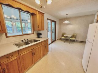 Photo 2: 253 Montreal Avenue W in Morris: House for sale : MLS®# 202123358