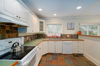Photo 6: 452 NAISMITH Avenue: Harrison Hot Springs House for sale : MLS®# R2517364