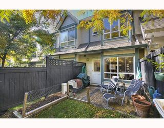 "Photo 10: 7480 HAWTHORNE Terrace in Burnaby: Highgate Townhouse for sale in ""ROCKHILL"" (Burnaby South)  : MLS®# V795963"