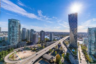 """Photo 1: 2707 1351 CONTINENTAL Street in Vancouver: Downtown VW Condo for sale in """"MADDOX"""" (Vancouver West)  : MLS®# R2623874"""