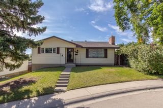 Photo 1: 1039 Hunterdale Place NW in Calgary: Huntington Hills Detached for sale : MLS®# A1144126